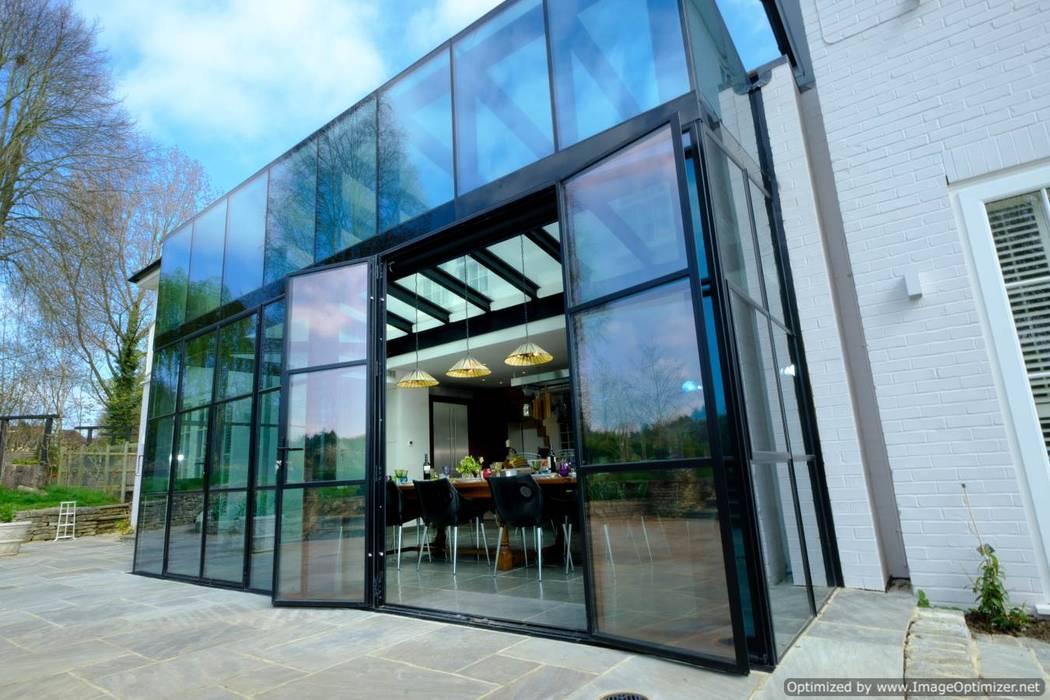 Rowood Farmhouse : modern Dining room by IQ Glass UK