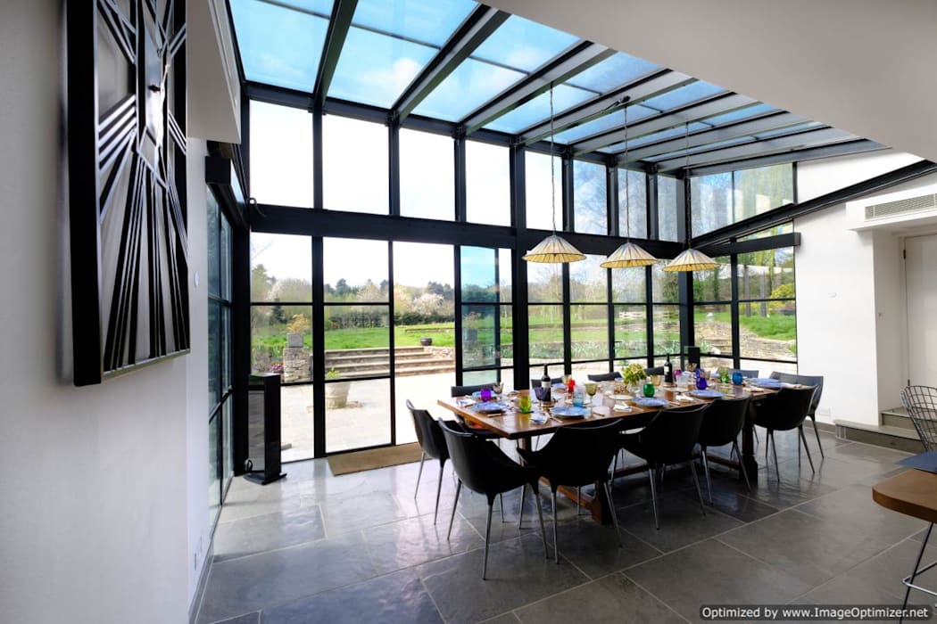 Rowood Farmhouse :  Dining room by IQ Glass UK