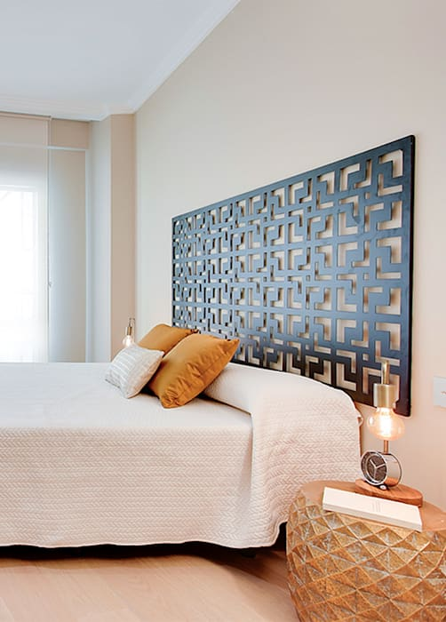 modern Bedroom by Markham Stagers