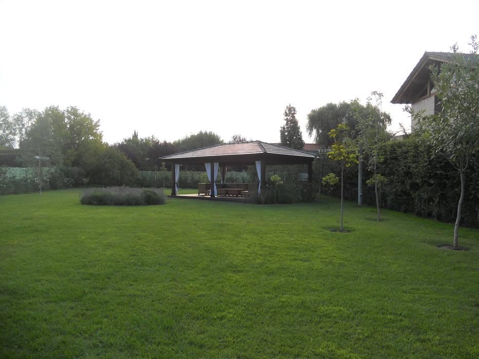 Proyecto terminado : Jardines de estilo clásico por Hornero Arquitectura y Diseño