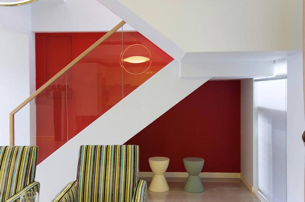 Stairs by 果仁室內裝修設計有限公司, Modern