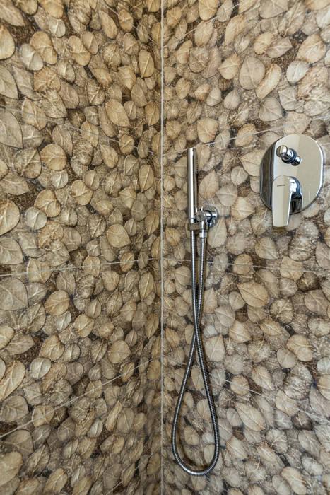 Ristrutturazione Appartamento Trieste: Bagno in stile in stile classico di Elia Falaschi Photographer