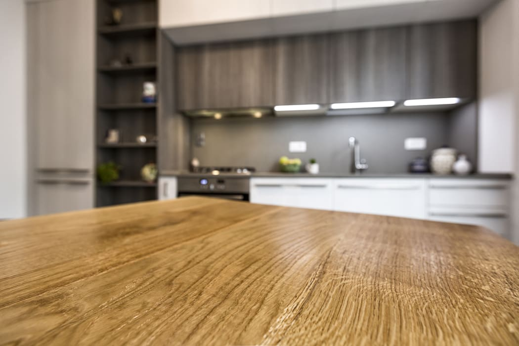 Ristrutturazione Appartamento Trieste: Cucina in stile in stile Classico di Elia Falaschi Photographer
