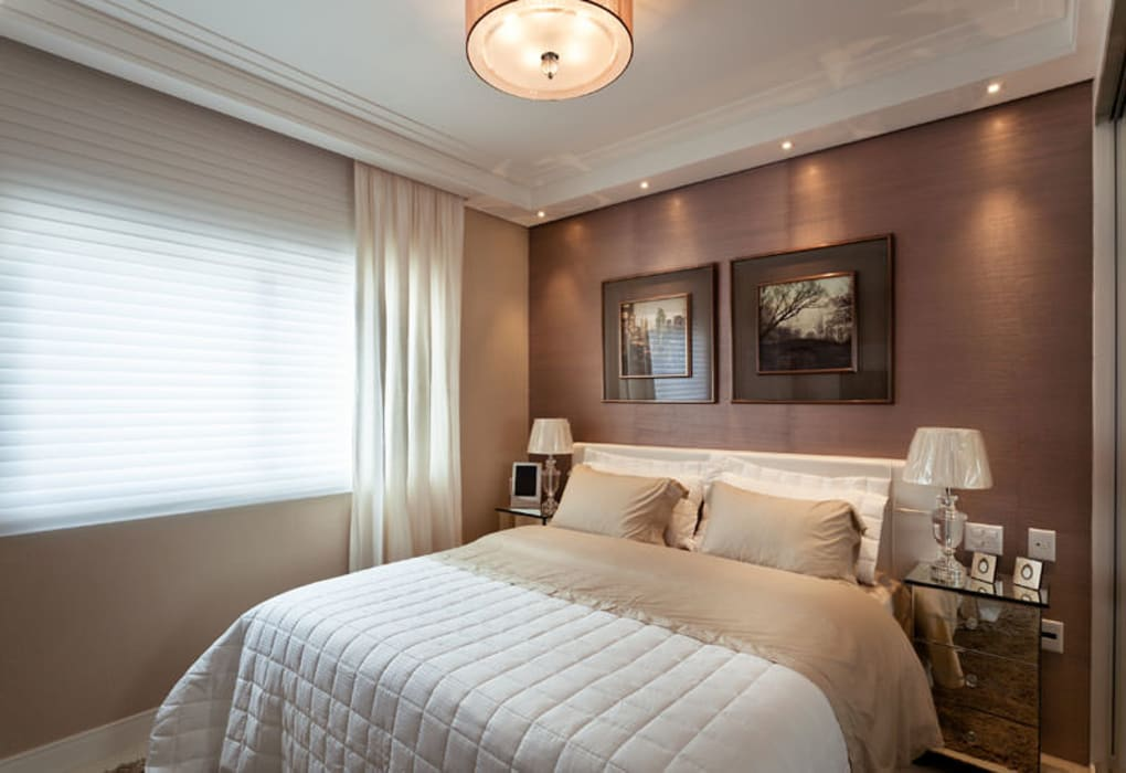 Suite Master: Quartos  por Flávia Kloss Arquitetura de Interiores