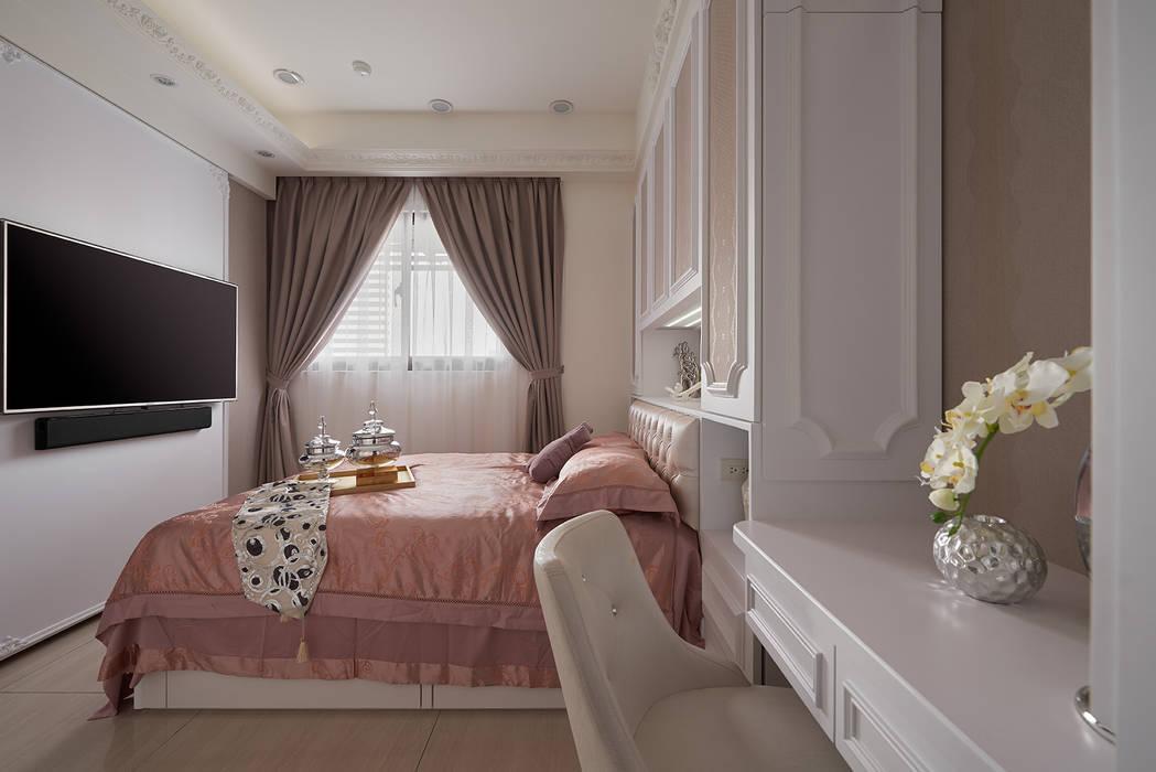 女主臥:  臥室 by 趙玲室內設計