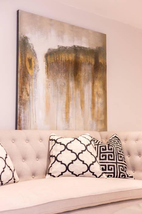 Sandbanks apartment: modern Living room by SMB Interior Design Ltd