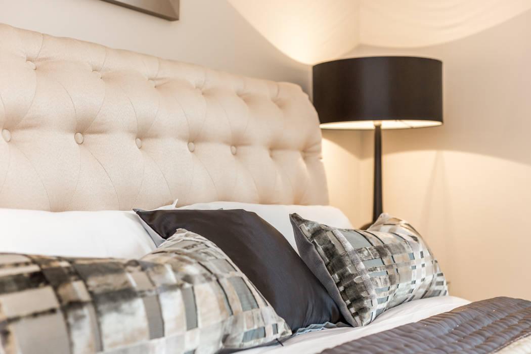 Sandbanks apartment: modern Bedroom by SMB Interior Design Ltd