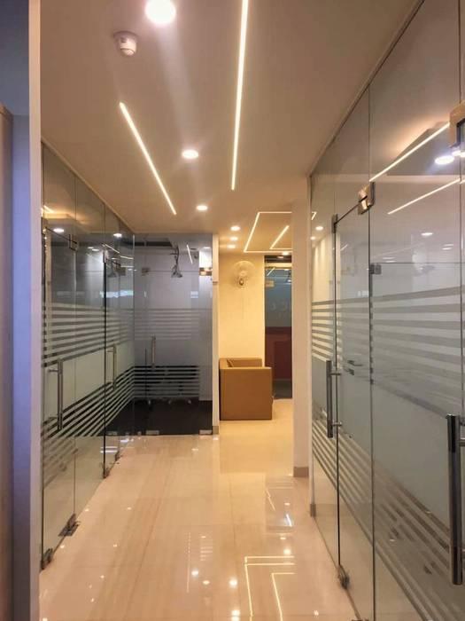 Corporate Office :  Study/office by Avant Garde Design