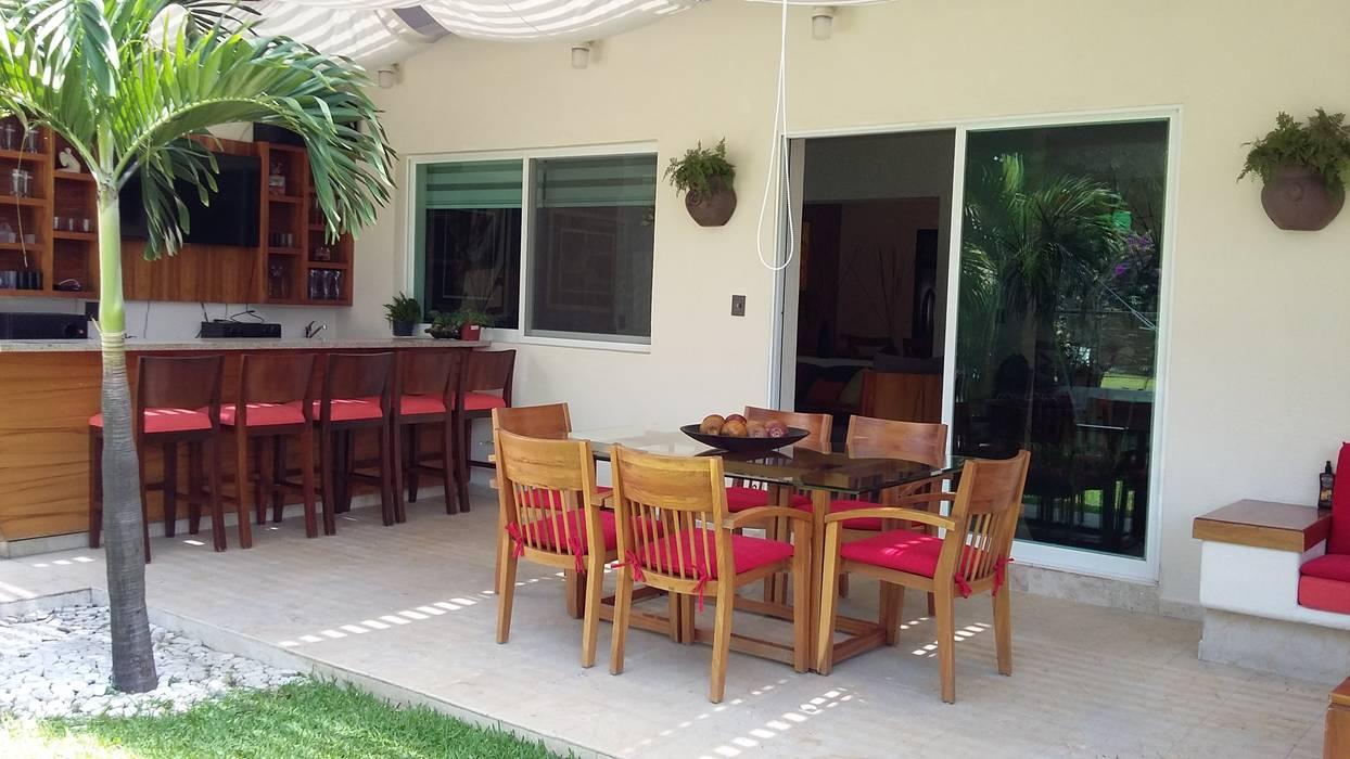 Moderner Balkon, Veranda & Terrasse von homify Modern Holz Holznachbildung