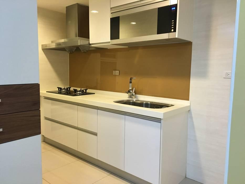 ห้องครัว โดย 捷士空間設計(省錢裝潢), ผสมผสาน