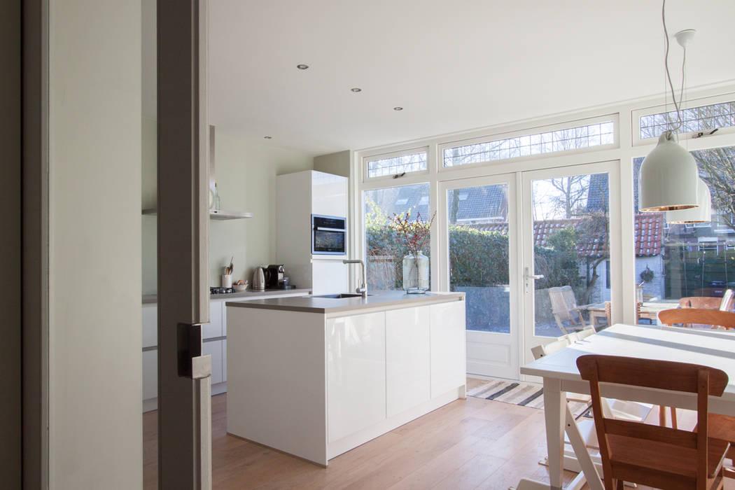 Doors Uitbouw Keuken : Aanbouw jaren woning keuken door joolsdesign homify