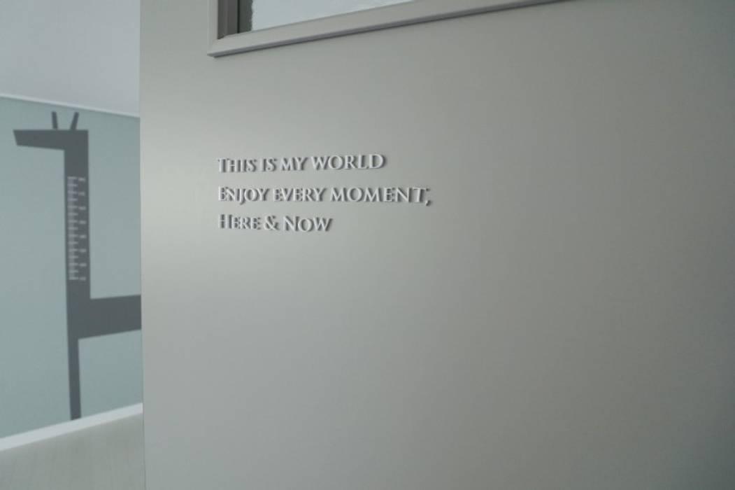 Modern Walls and Floors by 예가컴퍼니 Modern