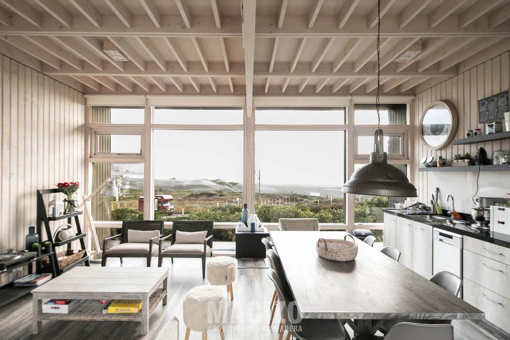 Living / Comedor Livings de estilo moderno de MACIZO, ARQUITECTURA EN MADERA Moderno Madera Acabado en madera