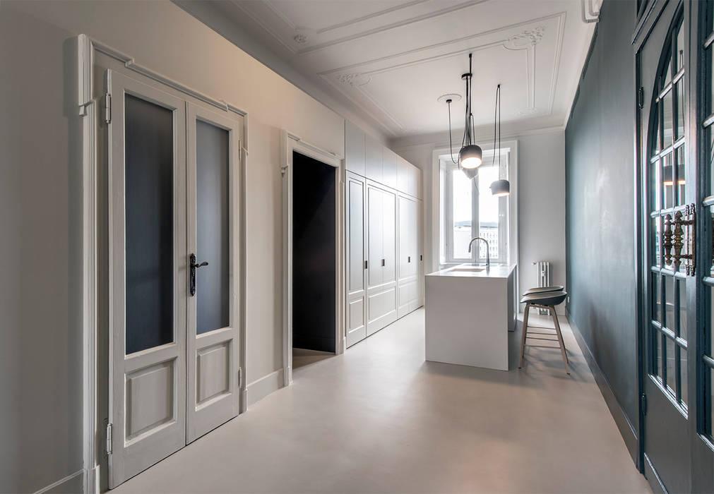 CLASSIC MATTERS: Cucina in stile  di Tommaso Giunchi Architect