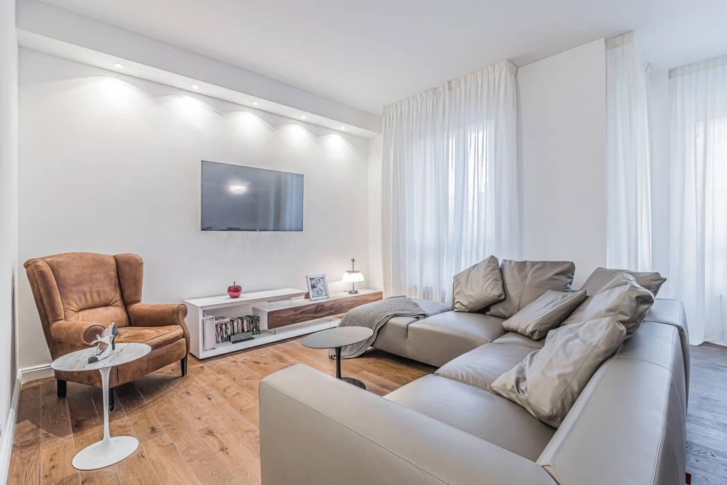 Ristrutturazione appartamento Milano, Tibaldi: Soggiorno in stile  di Facile Ristrutturare,