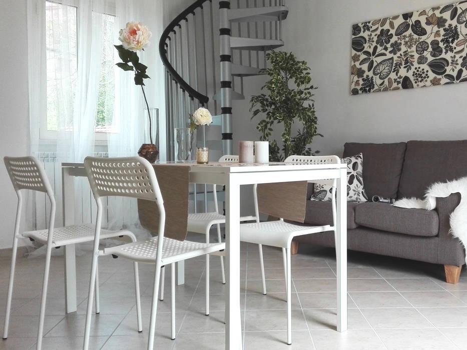 Livings de estilo moderno de Sonia Santirocco architetto e home stager Moderno