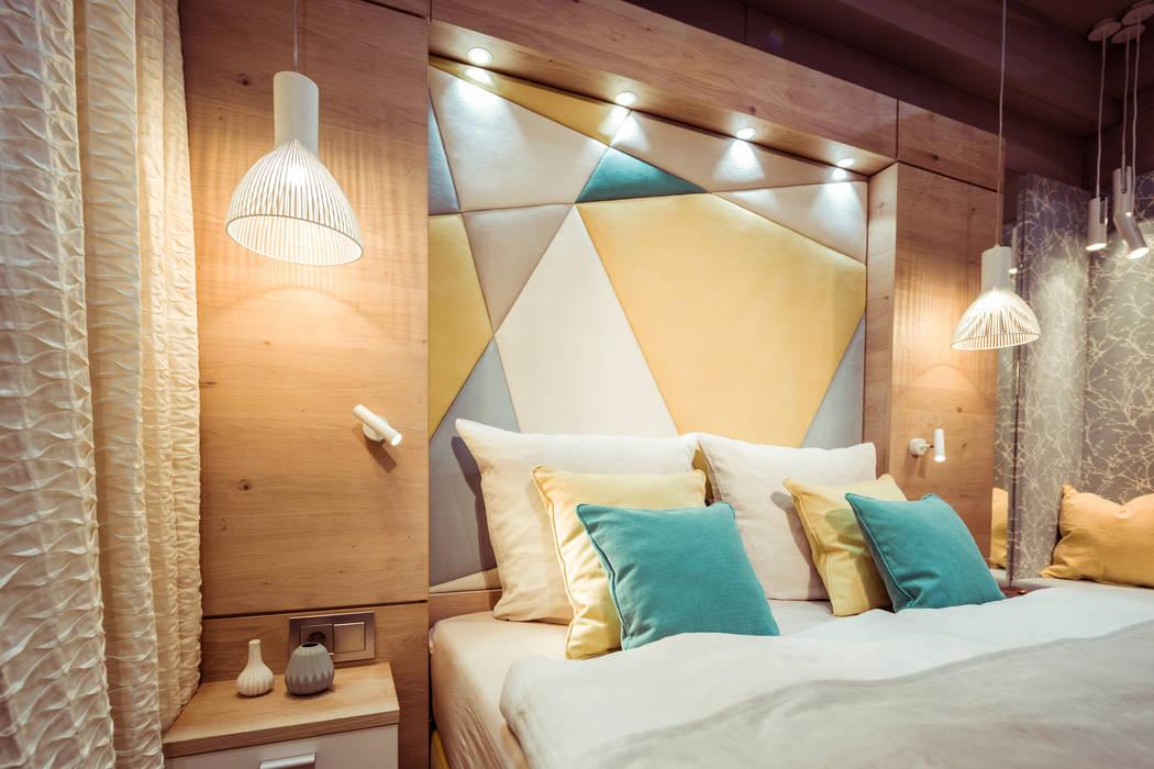 BAUR WohnFaszination GmbH Hoteles de estilo moderno Madera