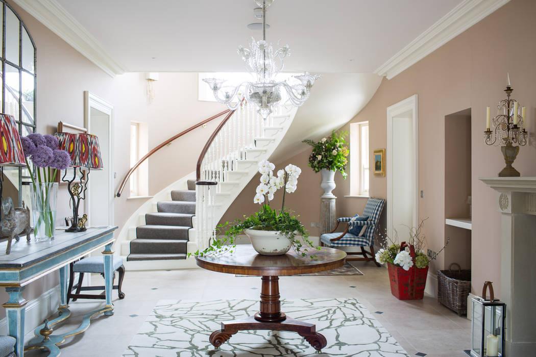 Country Manor Entrance Hall :  Corridor & hallway by Thompson Clarke