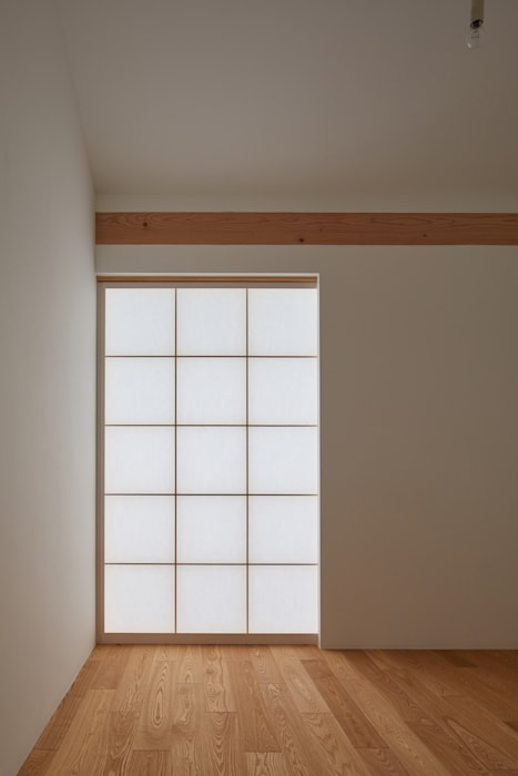 Dormitorios modernos: Ideas, imágenes y decoración de 一級建築士事務所 こより Moderno