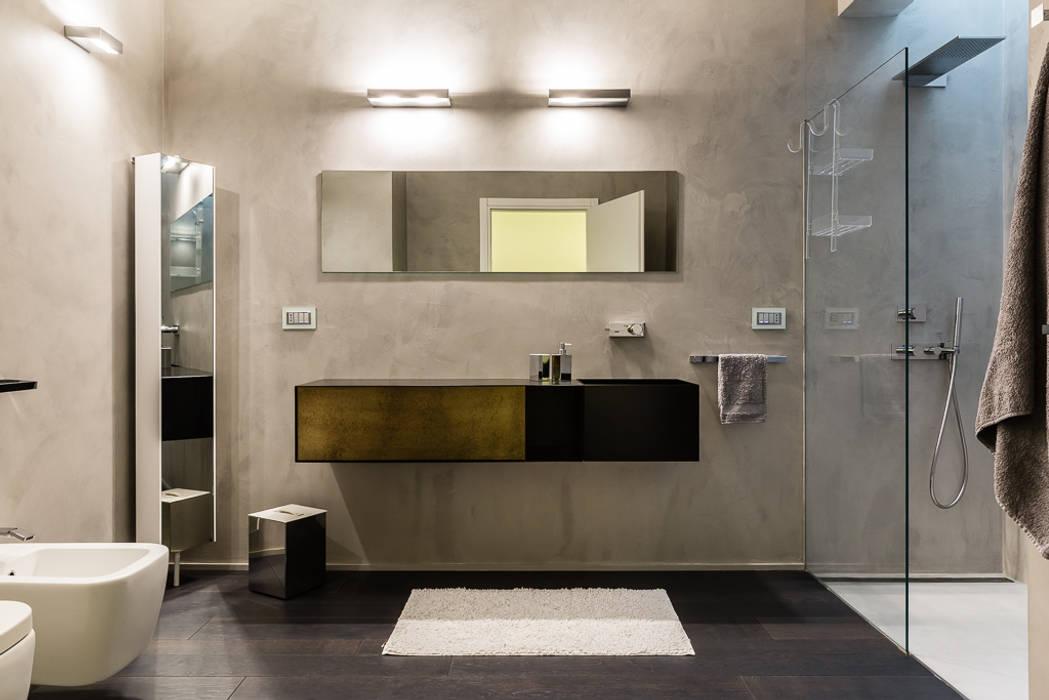 interni bagno: Bagno in stile  di VillaBio