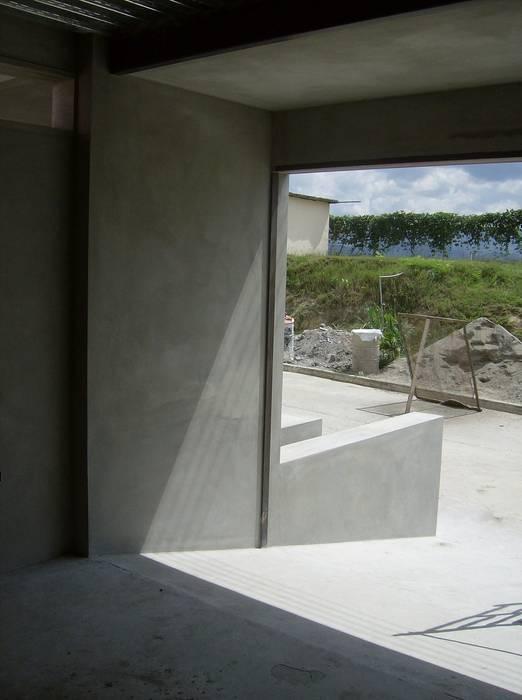 Estacionamiento Garajes y galpones de estilo moderno de MARATEA estudio Moderno