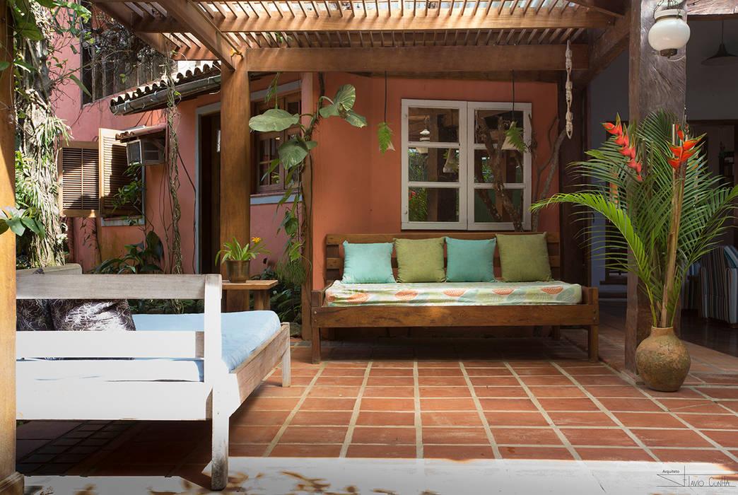 Casa Camburi SET Arquitetura e Construções Corredores, halls e escadas tropicais