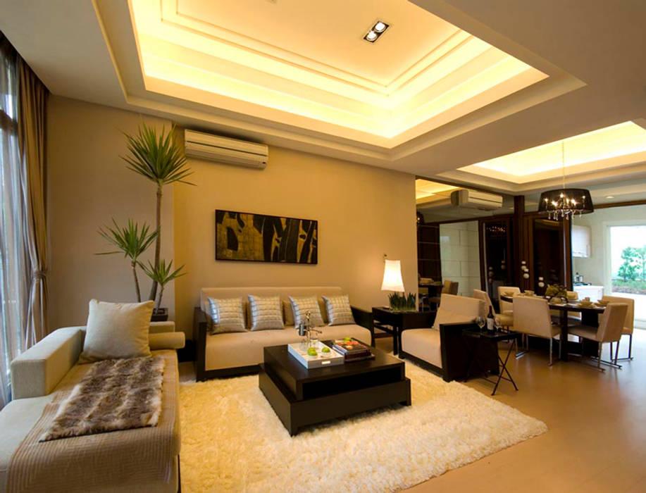 Living room by 果仁室內裝修設計有限公司, Asian