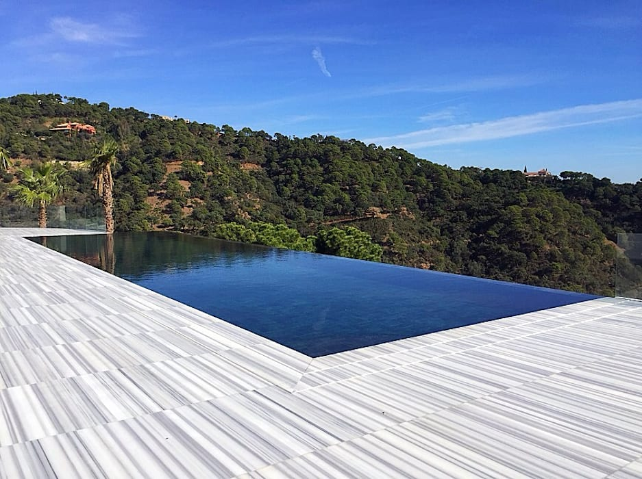 Infinity pool by homify, Modern