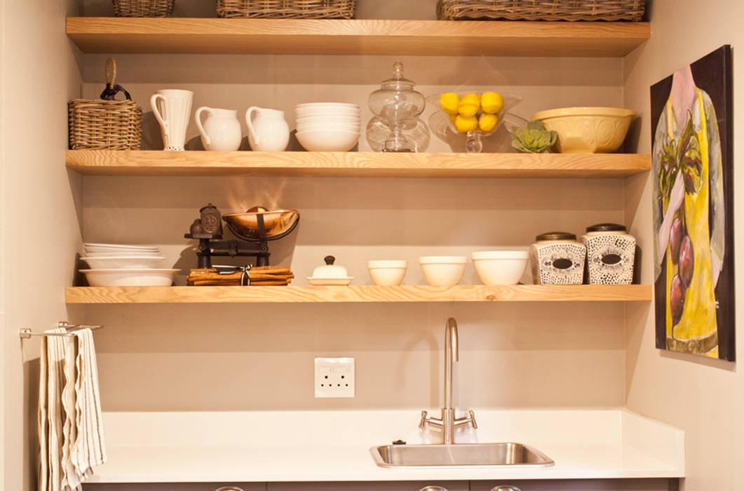 Kitchen by Black Canvas Architectural Interiors,