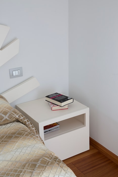 Comodino camera da letto moderna di grafite design moderno ...