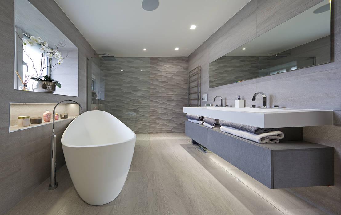 Bathroom by The Wood Works,