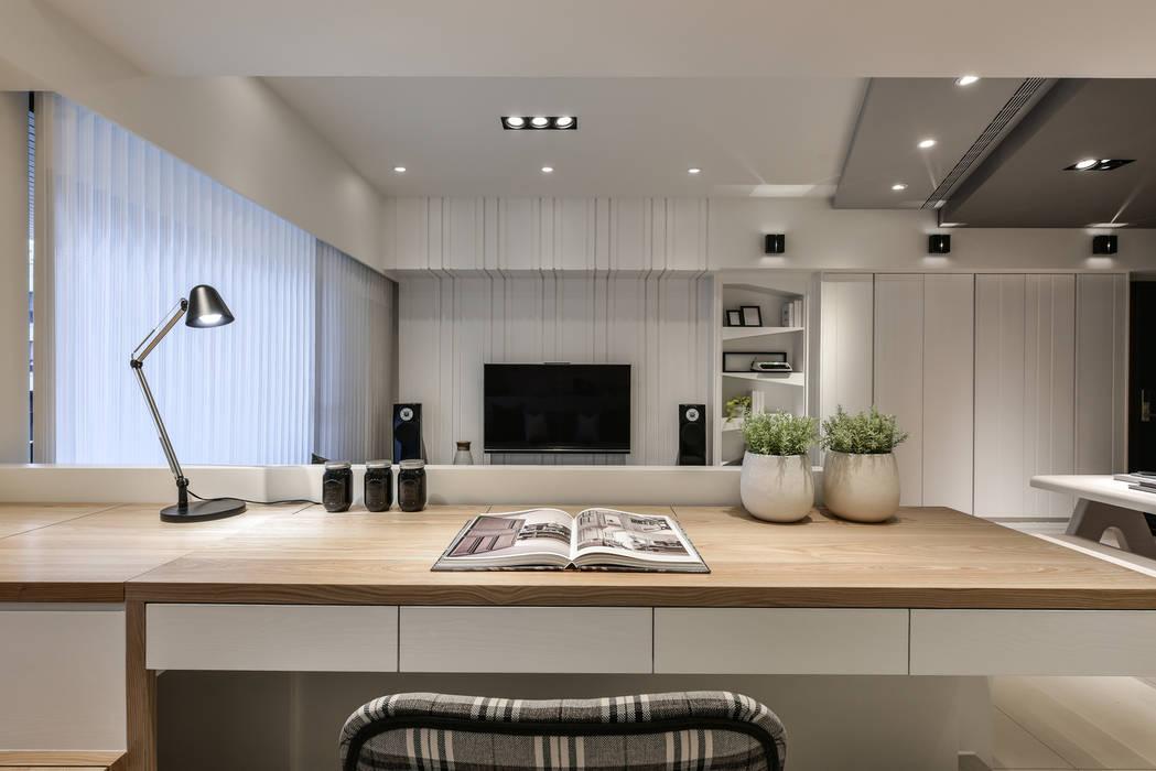 Study/office by 存果空間設計有限公司,