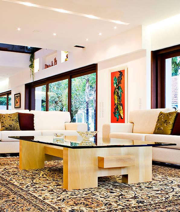 Tiede Arquitetos Modern Living Room Wood Beige