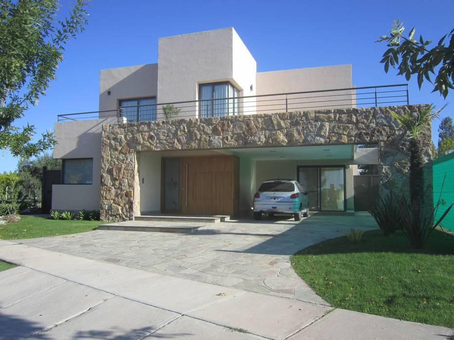 Casas de estilo moderno de Arq. Leticia Gobbi & asociados Moderno