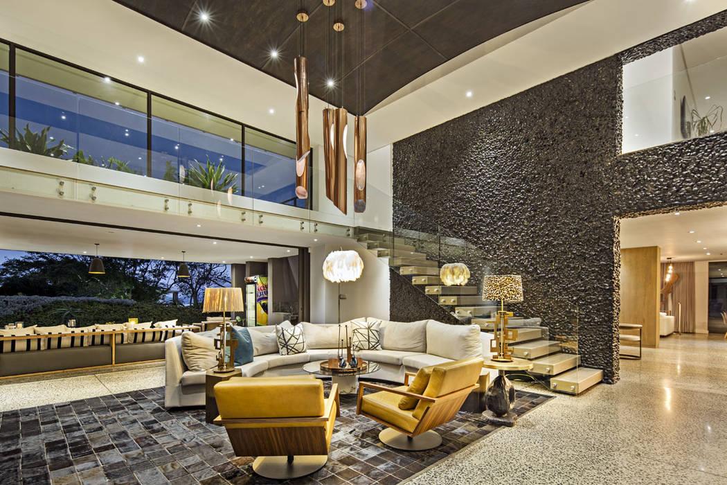 House Umhlanga:  Living room by Ferguson Architects