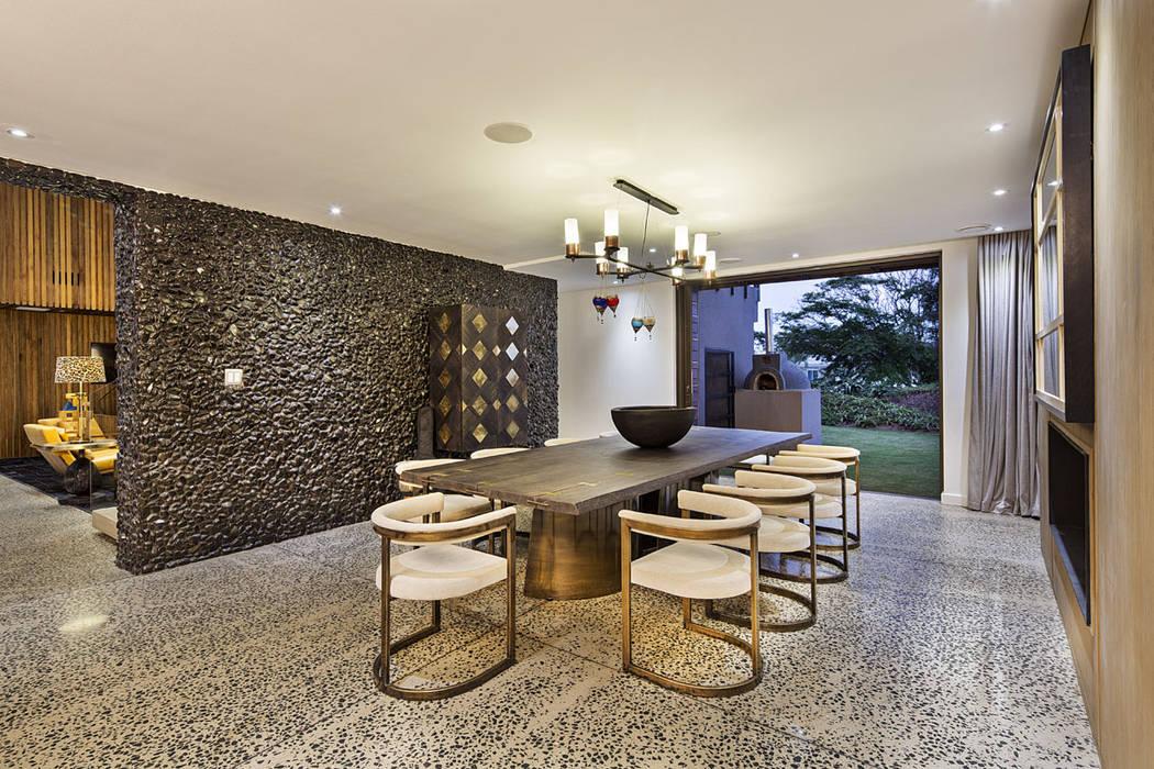 Salle à manger de style  par Ferguson Architects, Moderne