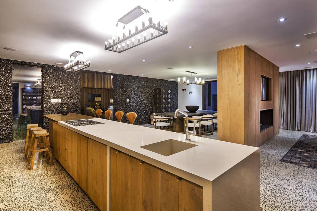 現代廚房設計點子、靈感&圖片 根據 Ferguson Architects 現代風
