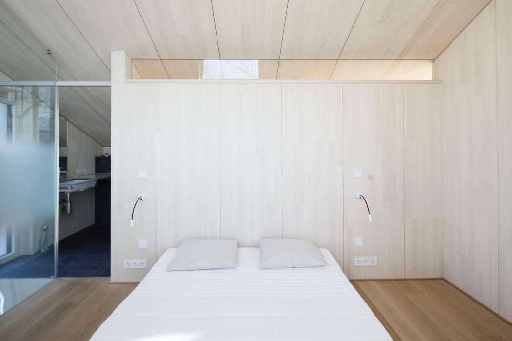 Gäste mit dusche/bad moderne schlafzimmer von architekten ...