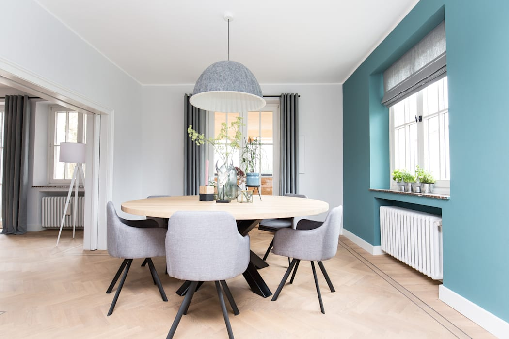 Interieurontwerp woning Duitsland:  Woonkamer door Mignon van de Bunt Interieurontwerp, Styling & Realisatie,