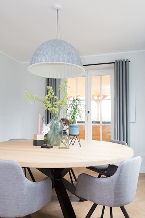 Country style living room by Mignon van de Bunt Interieurontwerp, Styling & Realisatie Country