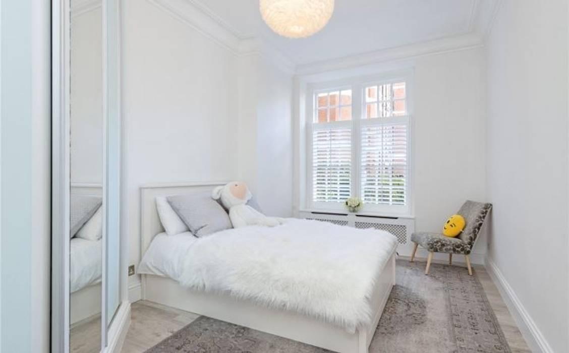 Bedroom Modern style bedroom by Patience Designs Modern