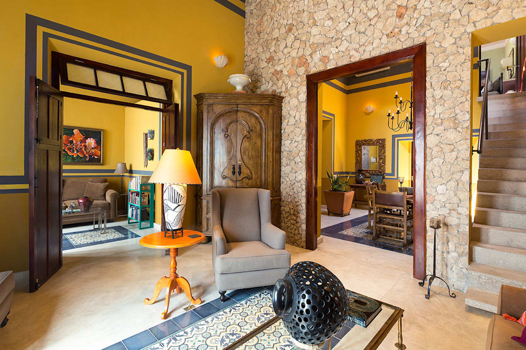 Merida Arquitectos Walls Stone Amber/Gold