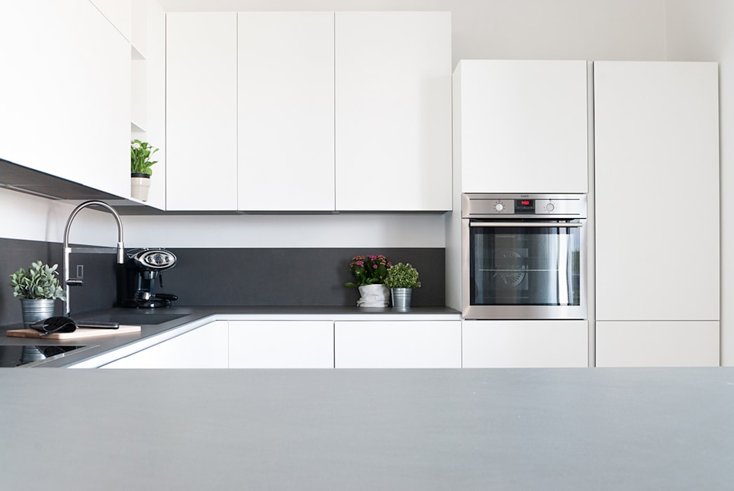 cucina minimal Cucina minimalista di Made with home Minimalista