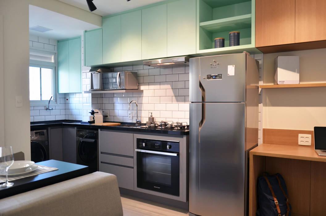 : Vila Nova Conceição 01: Cozinhas  por Mmaverick Arquitetura