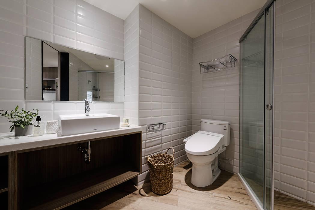 4F客廁:  浴室 by 隹設計 ZHUI Design Studio, 隨意取材風