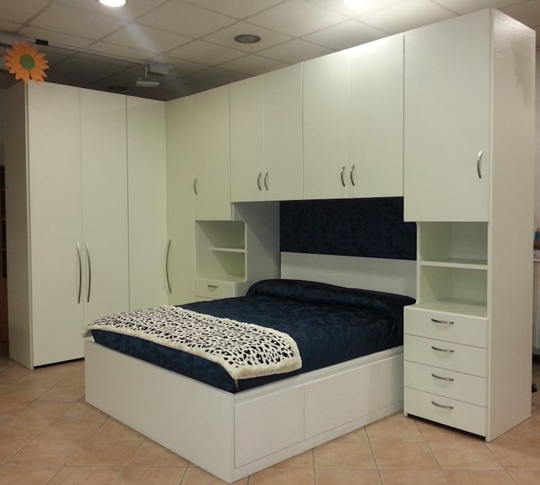 Camera da letto ad angolo e a ponte: camera da letto in stile di ...
