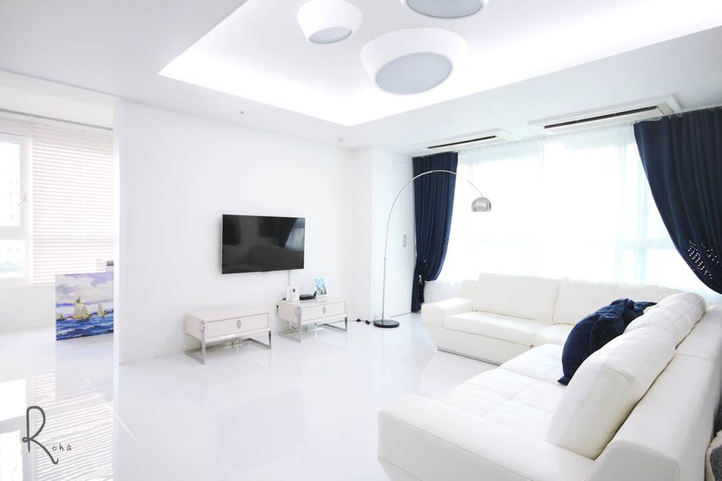 Living room by 로하디자인,