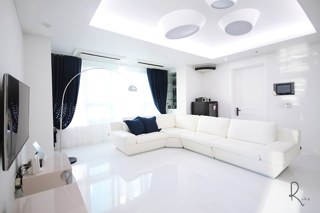 Living room by 로하디자인, Mediterranean