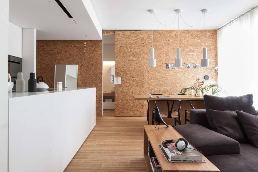 Salones de estilo minimalista de Didonè Comacchio Architects Minimalista