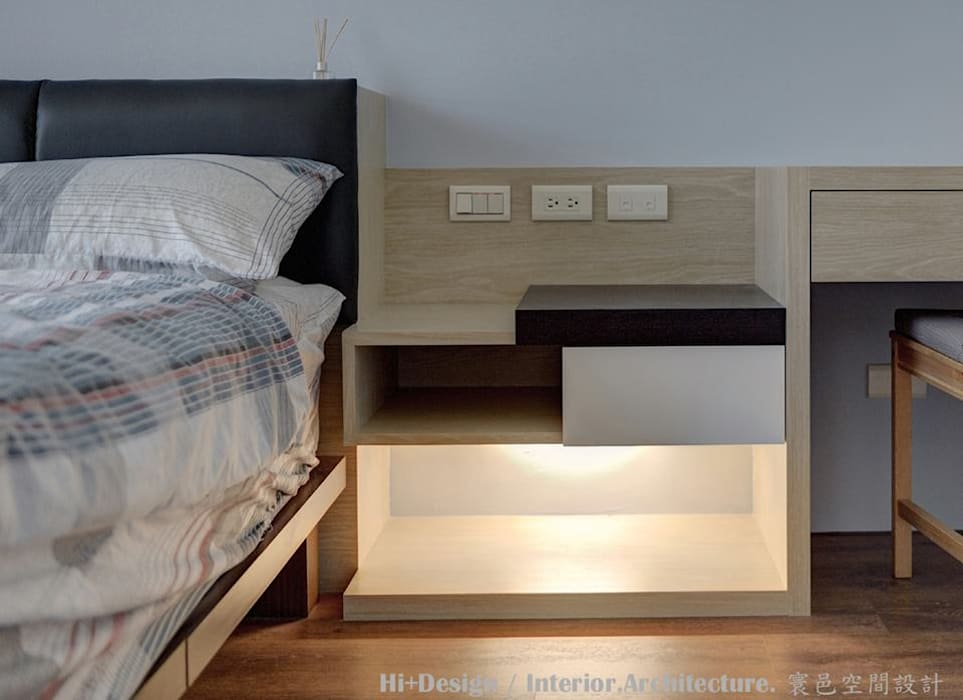 床邊櫃:  臥室 by Hi+Design/Interior.Architecture. 寰邑空間設計